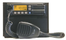 IC-A110B (Комплект: Радиостанция, Блок питания и Общий корпус)